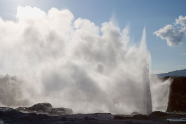 geothermal, horizontal, rock, sky, water, steam, white, back lit, mist, spray, geyser, Rotorua, New Zealand