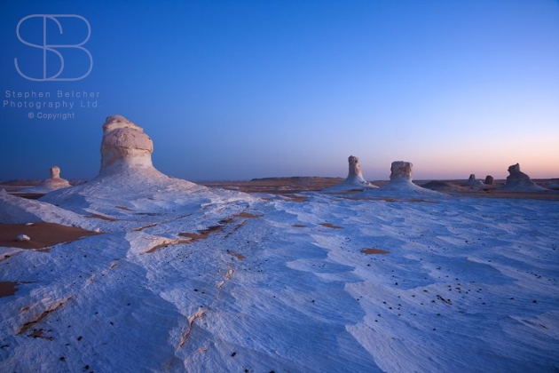 White Desert Egypt, Sahara el Beyda, White Sahara, White Desert National Park, Sahara Desert, Egypt, sand, limestone, white, rock formations, horizon over land, extreme terrain, sun rise, dawn, no people